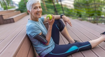 Eating to Maintain a Strong Body & Mind As We Age